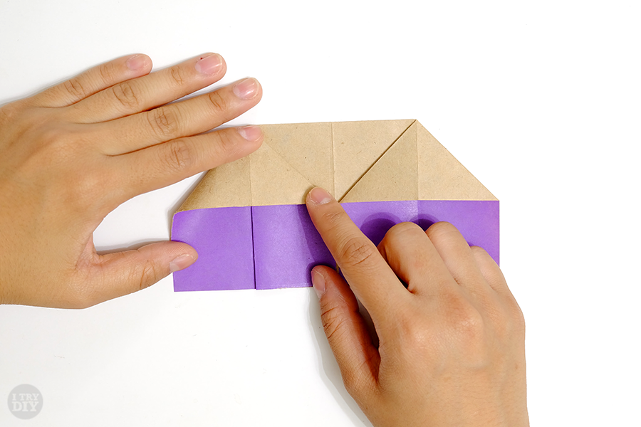 Оригами подставка для яиц-раскройте левый угол