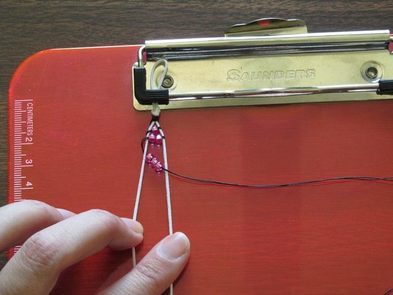Простой браслет из бисера-добавьте 3 бисерины