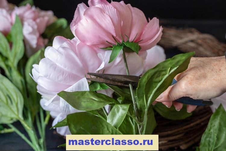 Венок из цветов - обрежьте цветы