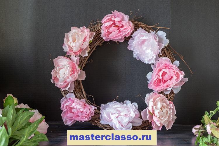 Венок из цветов - добавьте на венок еще пионов
