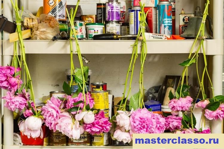 Венок из цветов - подвесьте пионы для сушки